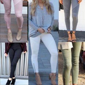 Pants - 💋Sassy Moto Leggings with ankle zipper - White💋